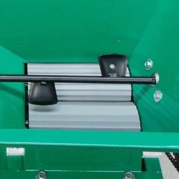 Desciorchinator cu zdrobitor manual LGSR1, productie 400-600kg/h, cuva din tabla emailata #2
