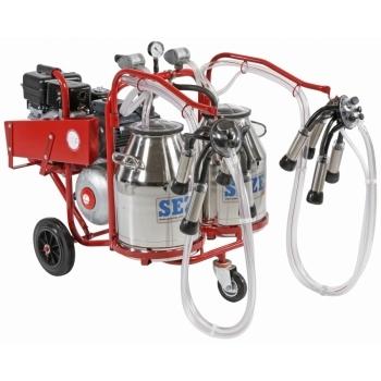 Aparat de muls vaci cu motor termic PLS2 Lux, 2 posturi, 2 bidoane inox 30L, pompa vid uscata fara ungere, pulsator pneumatic cu filtru aer, tanc vacuum, autospalare, productivitate 20-24 vaci/ora